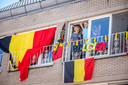 Niet elke gevel is zo kleurrijk versierd als deze in Lommel, maar toch: er duikt meer en meer zwart-geel-rood in het straatbeeld op.