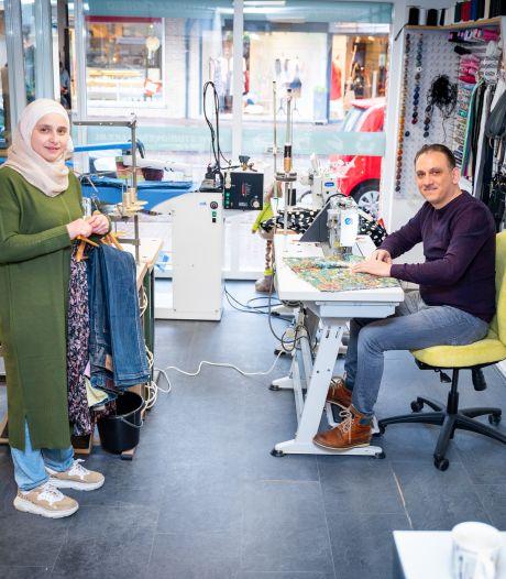 Van florerende textielfabriek in Syrië naar klein atelier in de polder: 'Hopelijk groeit het uit tot iets groots'