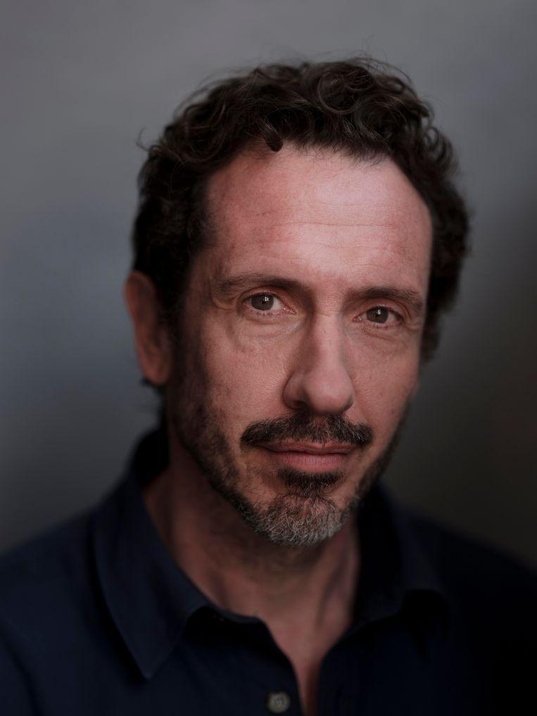 Jacob Derwig: 'Het is een groot plezier om zo met mijn vingers in de tekst te zitten.' Beeld Frank Ruiter