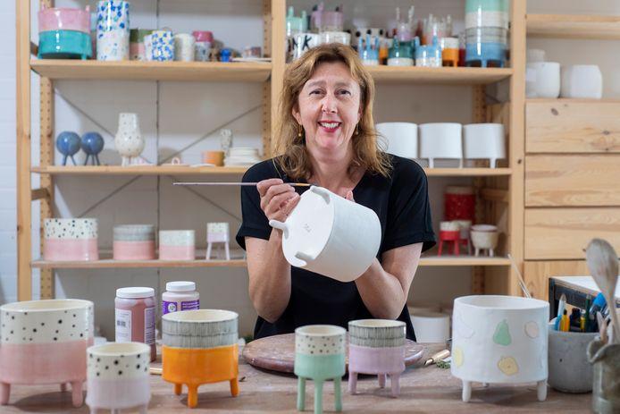 Nathalie Hildesheim met haar unieke ontwerpen.