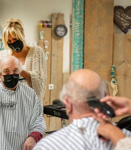 Agenda propvol bij meeste kappers in Apeldoorn, maar niet bij allemaal: 'Er kunnen er nog honderd bij'