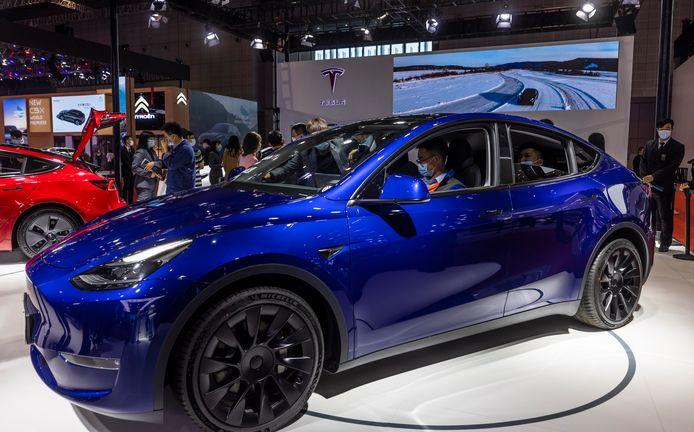 Specialisten van Consumer Reports wisten een Tesla Model Y zonder bestuurder een paar rondjes te laten rijden.