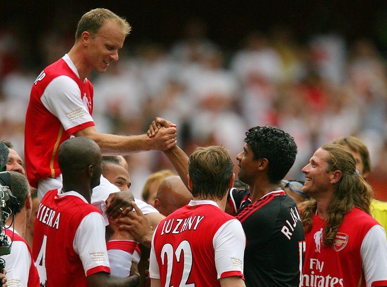 Bergkamp tijdens zijn afscheid van Arsenal.