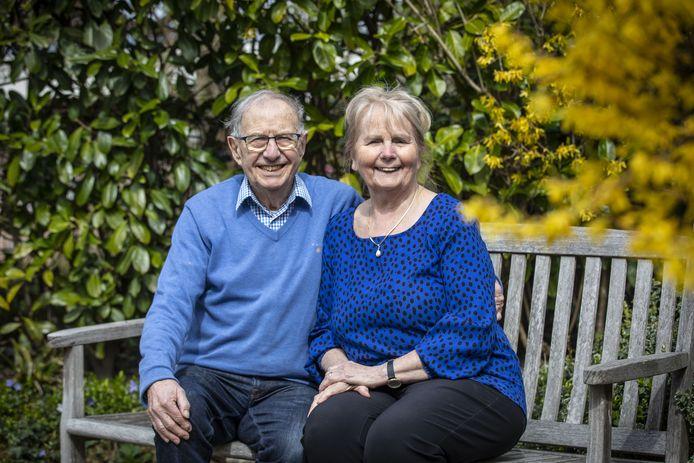 Door een speling van het lot leerde de jonge Engelse beroepsmilitair Brian Caunter ruim zestig jaar geleden de jonge Ria Heurman kennen in cafetaria Wilty. Donderdag waren ze exact zestig jaar getrouwd.