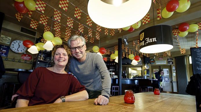 Dianne en Joris Goutziers maakten afgelopen twintig jaar een succes van café De Kiosk in Loon op Zand.