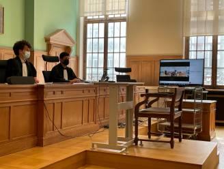 """Eerste 'hybride' correctionele zitting met videoconferencing op Kortrijkse rechtbank verloopt zonder problemen: """"Beeld en klank heel goed."""""""