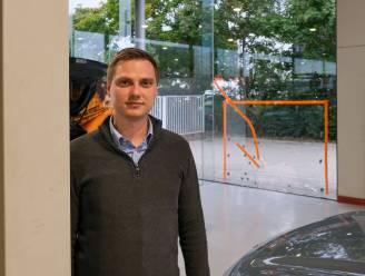 Spectaculaire inbraak in Kia-garage: dief steelt kluis met alle sleutels en gaat er met wagen vandoor