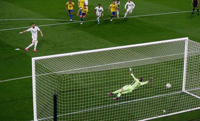 Benzema vanop de penaltystip.