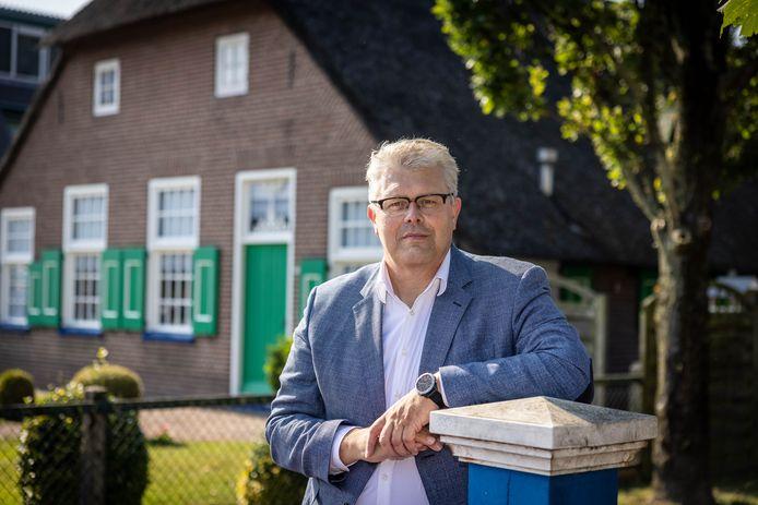 Jan ten Kate heeft er ruim honderd dagen opzitten als burgemeester van Staphorst.