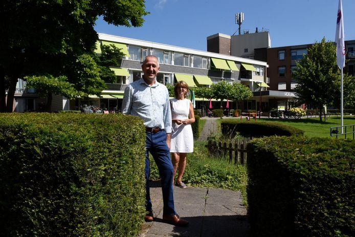 Nico van der Steeg en Mirjam Bijlenga voor 't Oude Landt.
