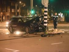 Automobilist aangehouden na heftige botsing op Soestdijkseplein