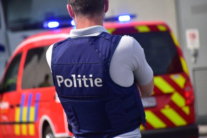 De politie van de zone RIHO en de brandweerzone Midwest snelden ter plaatse naar de Grote Bassin in Roeselare. (archiefbeeld ter illustratie)
