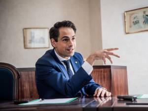 """Les propos suprémacistes de Van Grieken sont """"une attaque aux droits de l'homme et à la démocratie"""""""