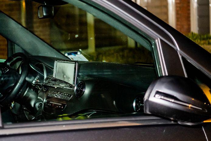 De beschoten taxi.