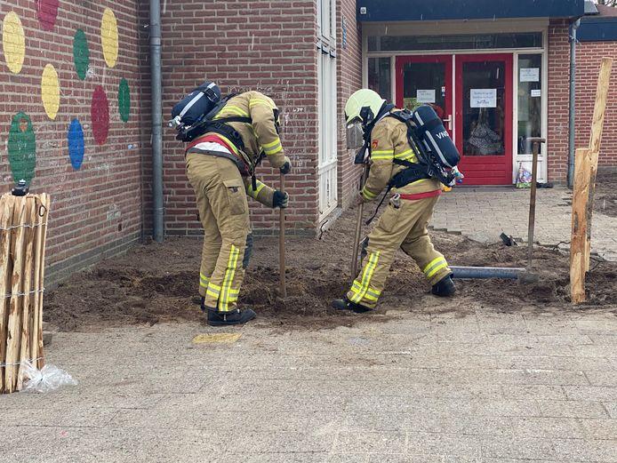 De Prins Bernhardschool in Ermelo is maandagmiddag uit voorzorg ontruimd vanwege een gaslek.
