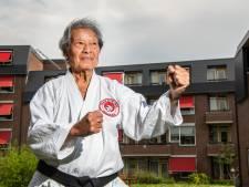 George uit Apeldoorn is 80 jaar, maar blinkt nog steeds uit in karate