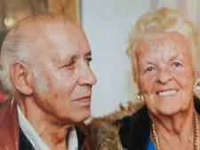 De voetjes van Jo en Netty gaan na 60 jaar nog steeds van de vloer