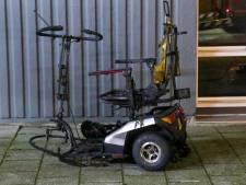 Woningen ontruimd nadat scootmobiel in brand vloog in Rotterdam
