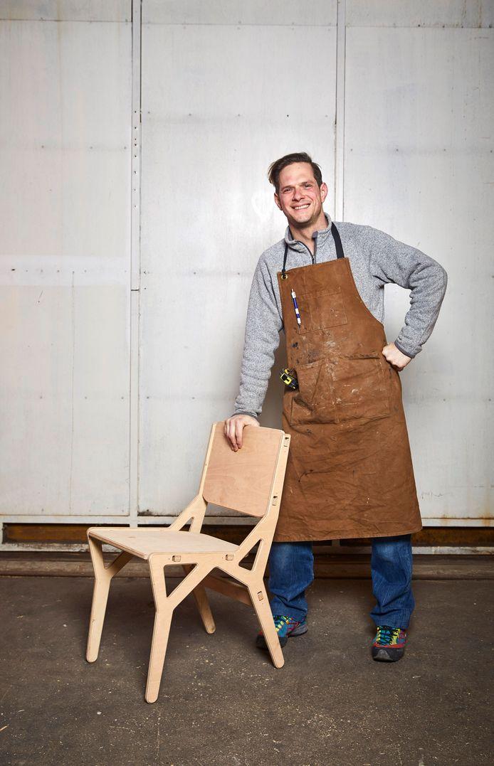 ,,Tropisch hardhout laat ik links liggen'', zegt de Nederlands/Poolse ontwerper Maciek.