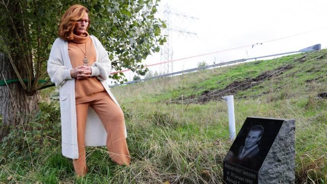 Pauline is doodsbang dat het monument voor haar zoon na tien jaar weg moet: 'Dan ga ik ervoor liggen'
