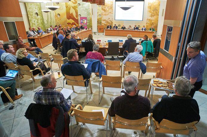 De vergadering over de fusie tussen Landerd en Uden was openbaar. Komend jaar treffen de gemeenteraden elkaar vijf keer achter gesloten deuren.