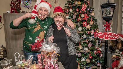 Kerstkoorts treft twee huizen in Mandellaan