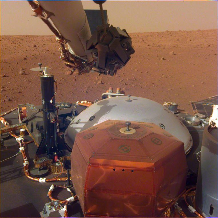 'Robotseismoloog' InSight kijkt uit over het oppervlak van Mars Beeld NASA/JPL-Caltech
