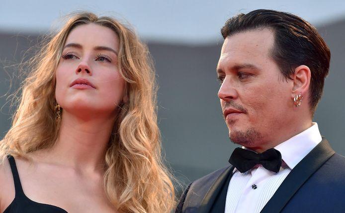 Amber heard en haar ex Johnny Depp, met wie ze in een scheidingsoorlog verwikkeld zit.