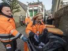Twente Milieu laat ernstig vervuilde verpakkingscontainer in Hof van Twente staan én deelt kaarten uit