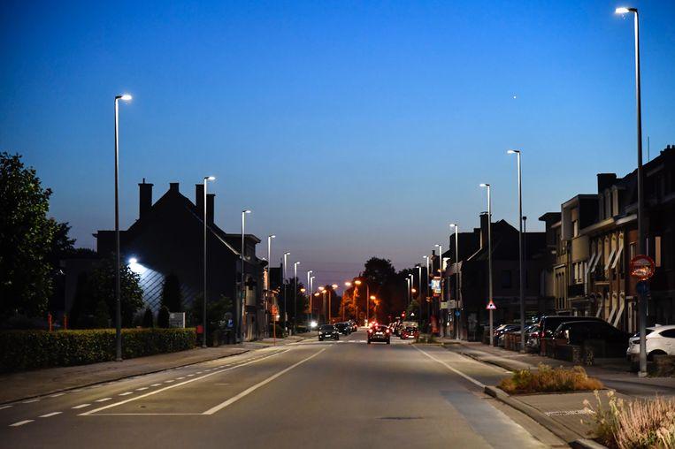 De Gentsesteenweg in Dendermonde doet het voortaan al met LED-verlichting.
