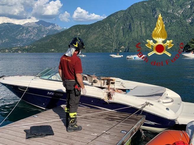 De Italiaanse brandweer verspreidde deze foto van de boot waarop de drie Italiaanse jongeren aan het zonnebaden waren toen ze werden aangevaren door een speedboot bestuurd door een Belgische toeriste.