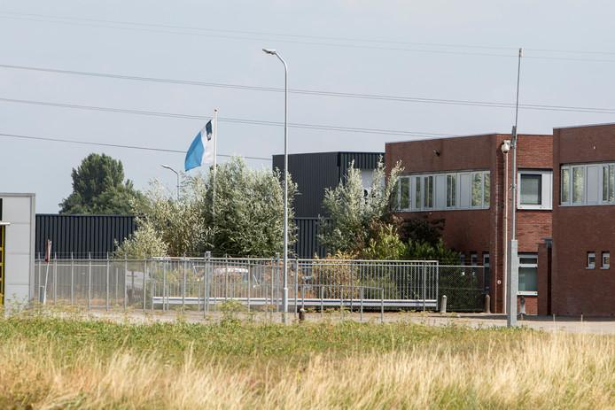 Inbrekers beschikten over de code van een Zutphens depot van de Dienst Justitiële Inrichtingen, waardoor ze wapens van gevangenbewaarders buit konden maken.