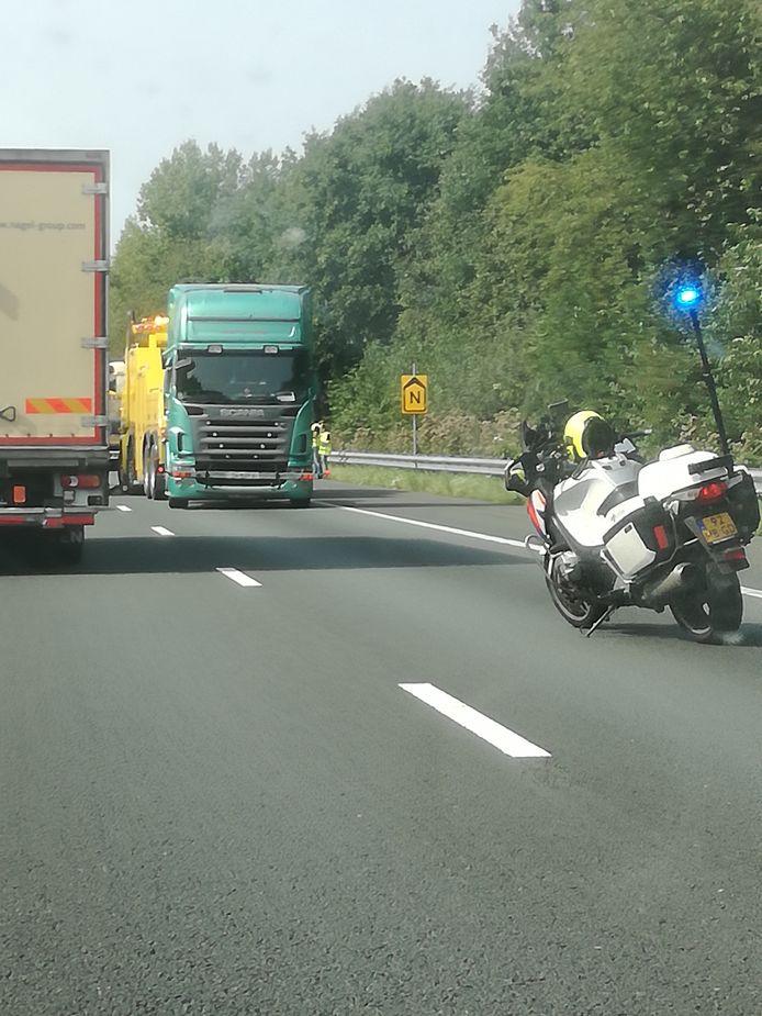 Ongeluk op A67 met 2 vrachtwagens bij Geldrop