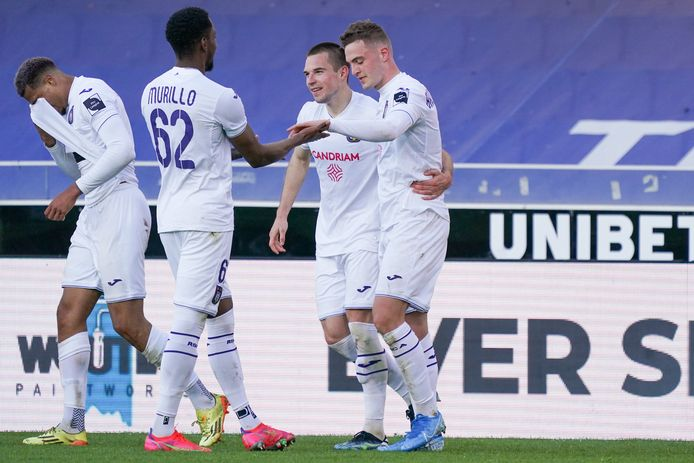 Anderlecht gaat met Genk de strijd aan voor de tweede plaats, aldus Degryse.