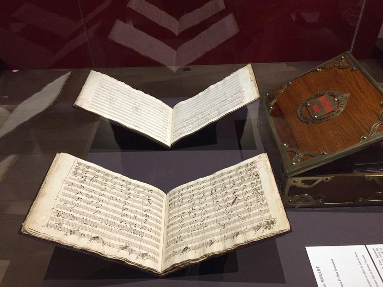 Een Mozart-partituur, te zien in 'Mozart, une passion française.' Beeld Sander De Keere
