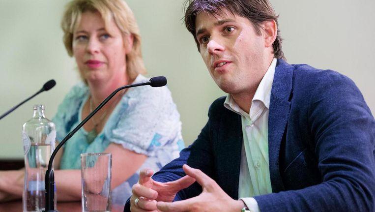 Wethouder Arjen Vliegenthart verwacht dat 1 op de 3 deelnemers aan de proef straks een fulltimebaan vindt of in deeltijd zoveel verdient dat men geen uitkering meer nodig heeft. Beeld ANP