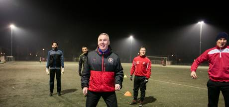 Interim-coach Van Ooijen verlengt bij BVV, ook assistent Hoyer blijft