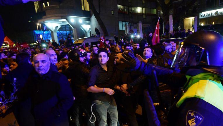 Demonstranten in Rotterdam. Beeld null