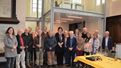 Vergaderen in Sint-Amanduskerk? Het kan in nieuw glazen vergaderlokaal 'The Box'