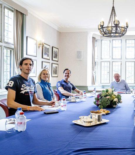 Onderhandelaars om tafel in Hilversum: Rutte hoopt op 'doorbraak kort na weekend'