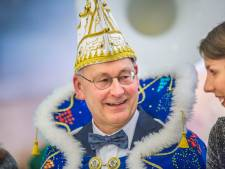 Oud-wethouder verkeer gaat voorop in de polonaise