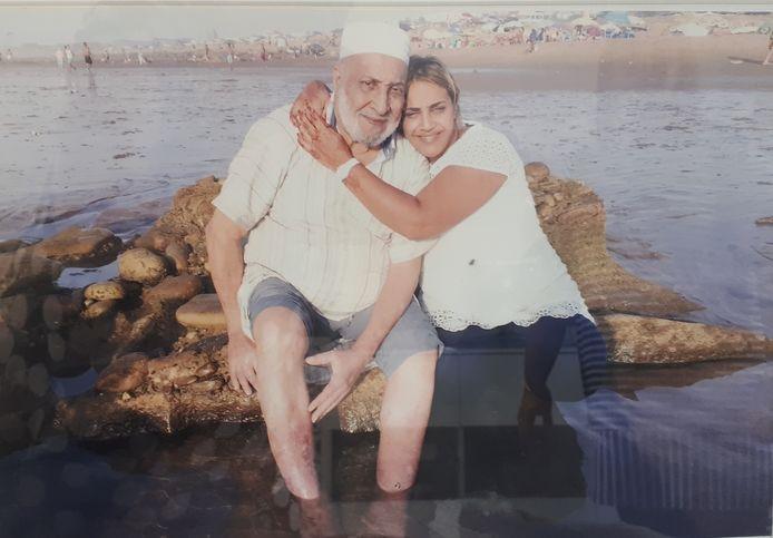 Abdellah Zaki in Marokko, met zijn dochter Hajia.