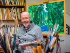 Hengelose kunstschilder verruilt 360 gradentekeningen voor schilderijen met plooien op het doek
