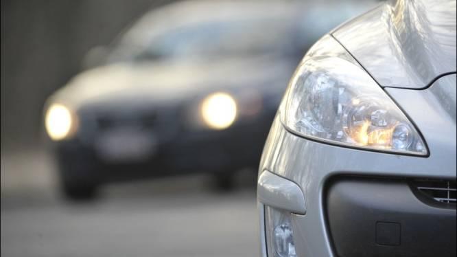 1 op 3 rijdt met slechte lichten