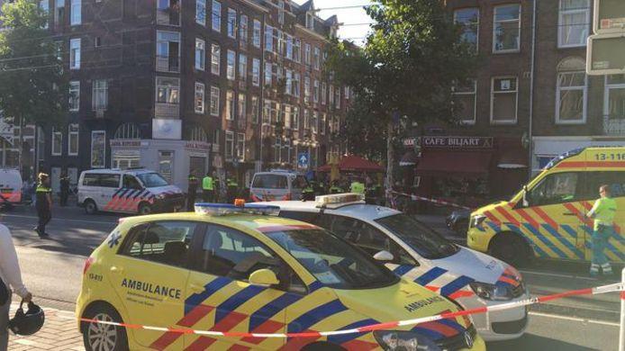 Bij een schietpartij in De Pijp in Amsterdam zijn drie mensen gewond geraakt.