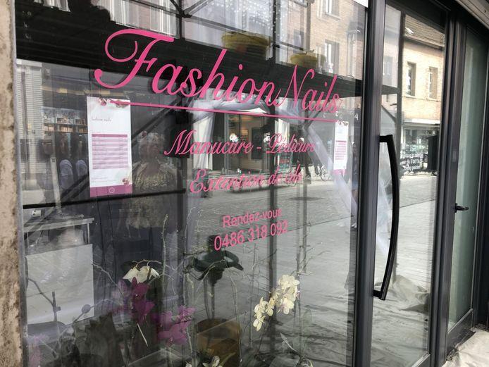 De nagelstudio Fashion Nails in de Leuvensestraat werd donderdagochtend gesloten.