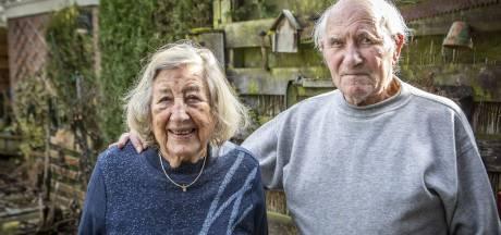 Reislustig echtpaar De Hond-De Haan uit Oldenzaal viert briljanten huwelijk
