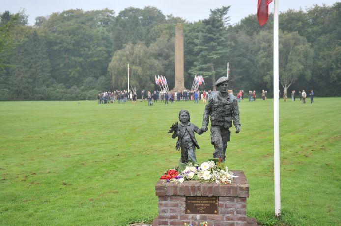 In klein gezelschap is er vrijdagmorgen bij stil gestaan dat de Operatie Market Garden begon in Arnhem en omgeving.