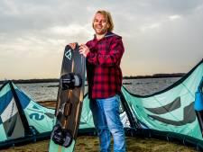 Ervaren kitesurfers waarschuwen voor gevaren: 'Je gaat ook niet zomaar op de zwarte piste skiën'