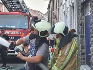 """Brandweerversterking arriveerde pas 15 minuten na eerste ploegen: """"Gelukkig hielpen burgers mee blussen"""""""